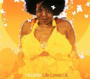 Covermotiv - Life loves us