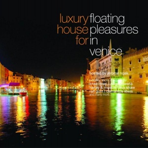 Covermotiv - Luxury House For Floating Pleasure In Venice