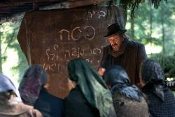 Shimon Haretz (Allan Corduner) - Unbeugsam - Defiance