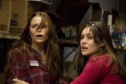 Sarah Palmer (Jaime King) und Megan (Megan Boone) - My Bloody Valentine 3D