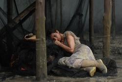 Jeanne Bellmer (Emmanuelle Béart) - Vinyan