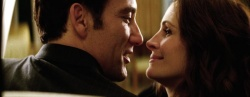 Ray Koval (Clive Owen) und Claire Stenwick (Julia Roberts) (Bildmaterial: © 2009 Universal) - Duplicity