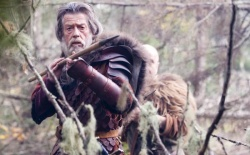 Hrothgar (John Hurt) - Outlander