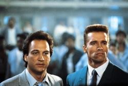 Art Ridzik (James Belushi) mit seinem Gast-Partner Danko (Arnold Schwarzenegger) - Red Heat