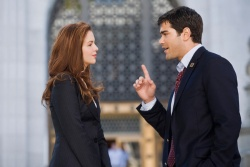 Ella Crystal (Amber Tamblyn), C.J. Nicholas (Jesse Metcalfe) - Gegen jeden Zweifel