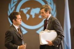 Simon Foster (Tom Hollander) und Malcolm Tucker (Peter Capaldi) © Ascot Elite - Kabinett ausser Kontrolle