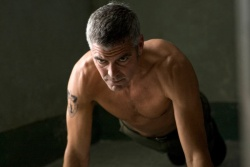Jack / Edward (George Clooney) in Form - The American