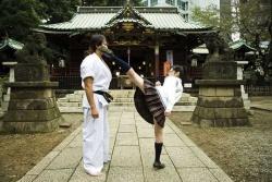 Ausbildung: Sensei Yoshiaki Matsumura (Tatsuya Naka) und Schülerin Kei Tsuchiya (Rina Takeda) - High Kick Girl!