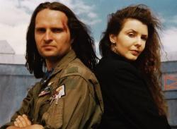 Cpt. Rick Walker (Jack Moik), Cynthia Perkins (Annette Schmiedel) - Nydenion