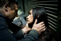 Bryan Mills (Liam Neeson) und Lenore (Famke Janssen) - 96 Hours - Taken 2