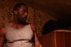 Idris Elba spielt Malcolm Gray - Legacy