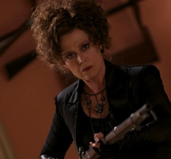 Cisserus (Sigourney Weaver) - Vamps - Dating mit Biss