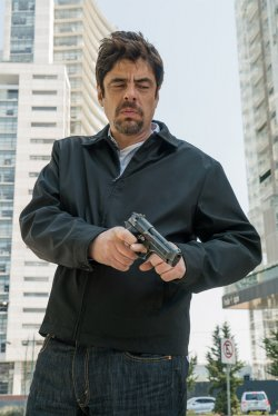 Alejandro Gillick (Benicio del Toro) - Sicario 2