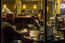 Begegnungsstätte Café an der Ecke - McCall (Denzel Washington) trifft auf Terri (Chloë Grace Moretz) - The Equalizer