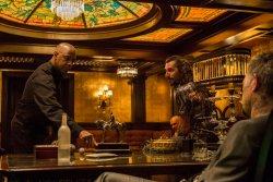 Hat mittlerweile ein Hühnchen zu rupfen - McCall (Denzel Washington) zu Besuch bei der russischen Mafia - The Equalizer