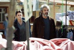 Laura (Penélope Cruz) und ihr Mann Alejandro (Ricardo Darín) - Offenes Geheimnis
